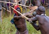 Suri stick fight